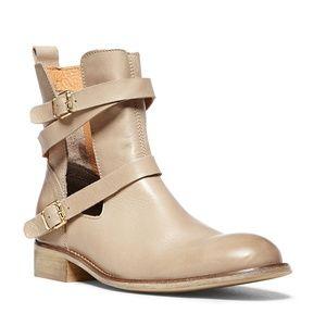 Steve Madden Paladino Natural Boots